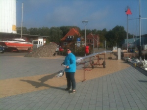 Preparing the mast for storage in Germany